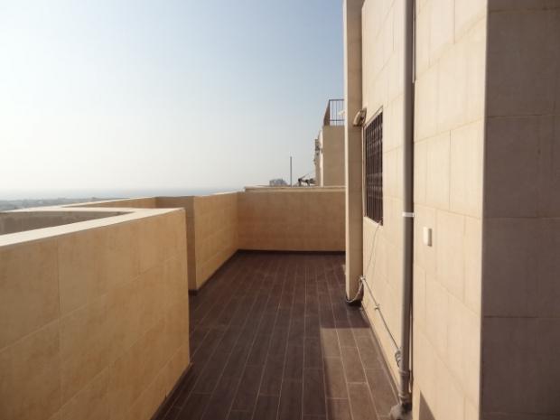 דירת גג, 6 חד' בבניין חדש ברמת הנשיא בת ים.